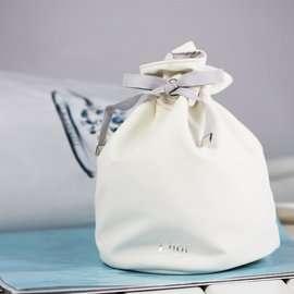 Dior雪晶靈收納包