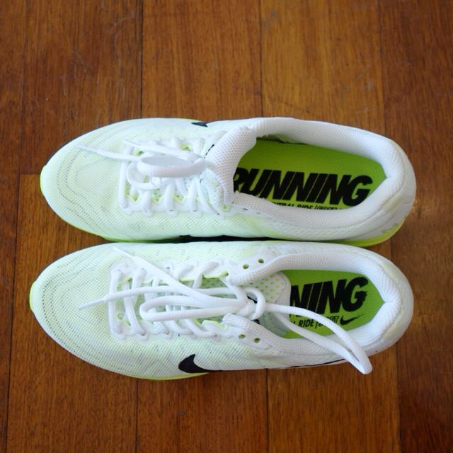 Further PRICE REDUCED! NIKE AIRMAX Running Neutral Ride Soft