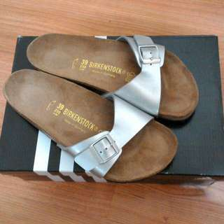 全新正品  Birkenstock 馬德里單片太空銀 拖鞋 (保留中)