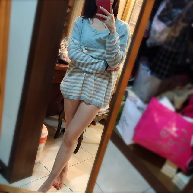 天藍色針織毛衣