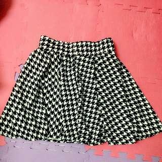 千鳥紋安全褲裙 $200