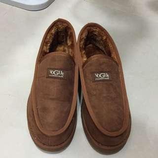 九成新 男鞋 雪靴 低筒 棕色 42號