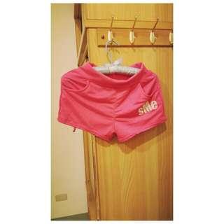 桃紅運動短褲