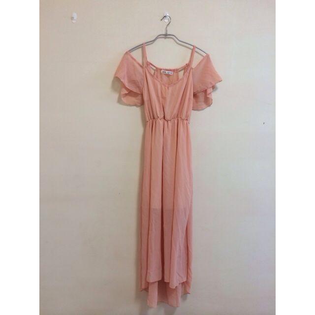 粉橘色度假削肩露背雪紡長洋裝