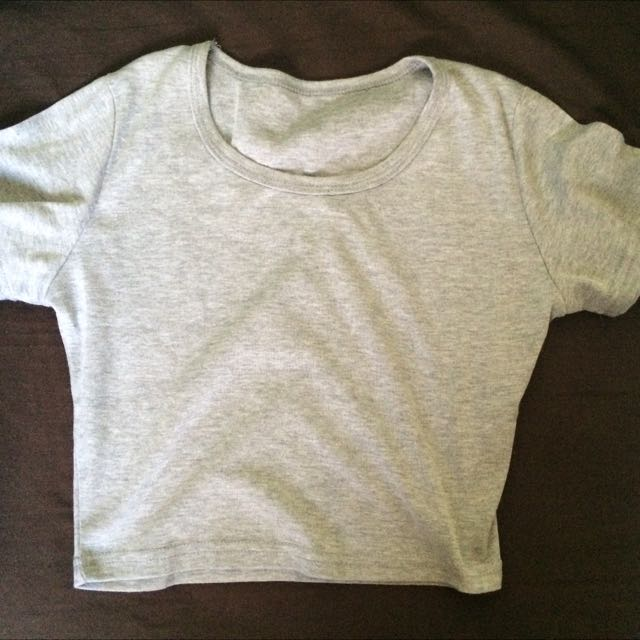 九成五新 灰色素短版上衣