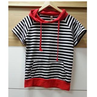 【紅帽- 條紋 T-shirt】