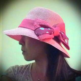 粉紅色編織女帽,最適合外出遮陽,美麗大方不怕曬