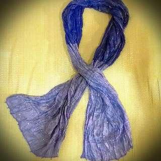 異國民族風藍色質感絲巾,九成新,適合各季節搭配服裝用