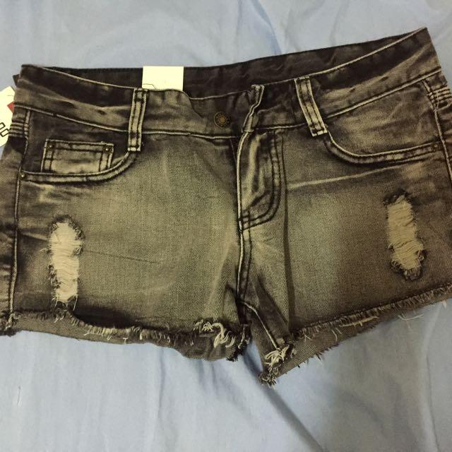 全新 黑色牛仔短褲