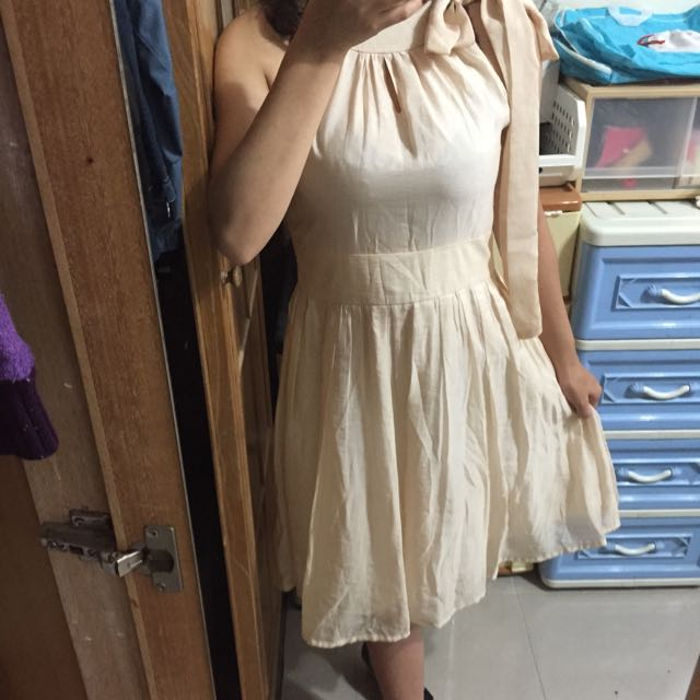Bait米色亮面連身洋裝