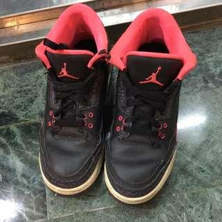 Jordan三代 八成新後面有摩到便宜賣😭 6.5Y 無鞋盒