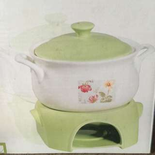 Stoneware Casserole With Heating Stand, Microwave & Dish Washer Safe