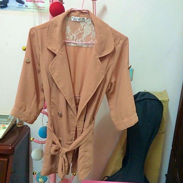 粉橘薄綁帶雙排扣外套