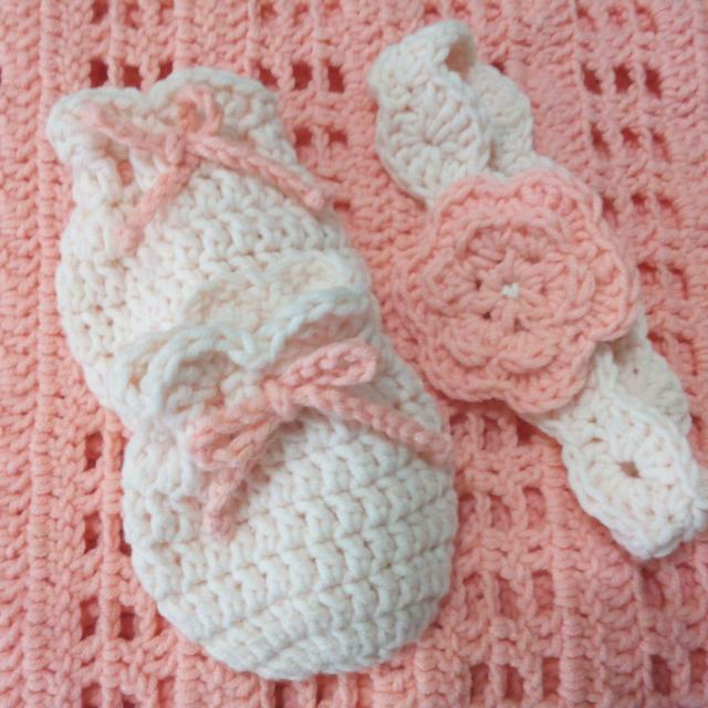 Handmade Crochet Baby Blanket With Mittens And Headband Womens