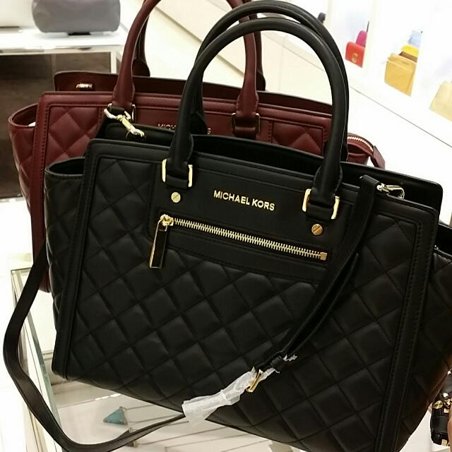 118a1dccd9fcc Michael Kors Selma Zip Quilted Large Satchel