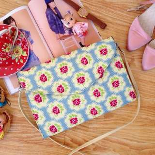 Ready Stock ■ Claudine Envelope Floral Clutch