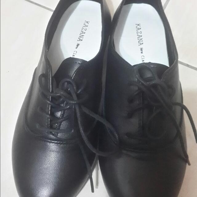 黑色鞋子23號
