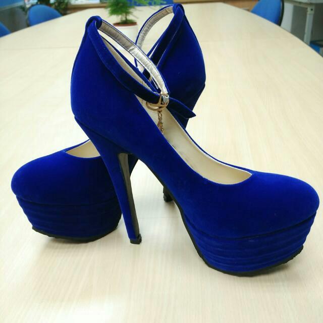 (保留)(全新)深藍絨布高跟鞋