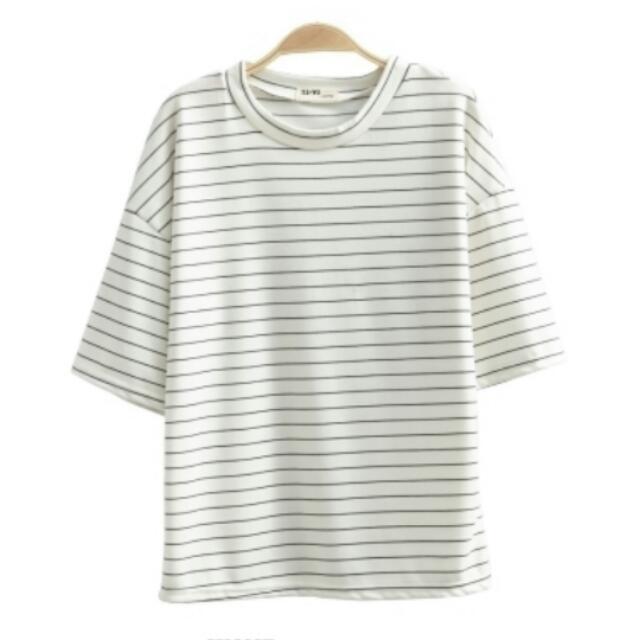 黑白細條紋寬版彈性棉上衣