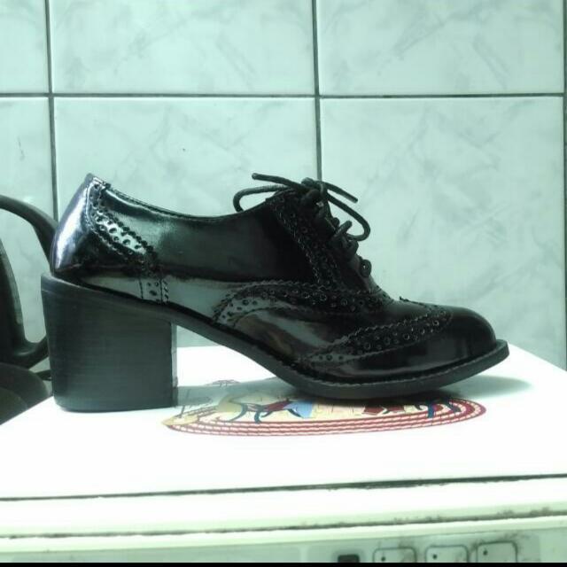 牛津鞋 跟高6公分 23cm  太小了故售出 只穿過一次