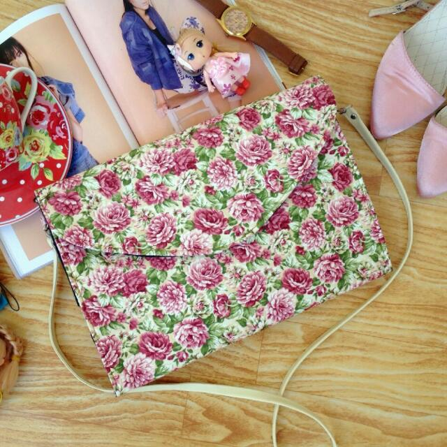 Ready Stock ■ Mathilde Envelope Floral Clutch