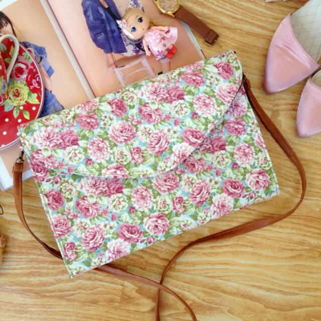 Ready Stock ■ Valerie Envelope Floral Clutch