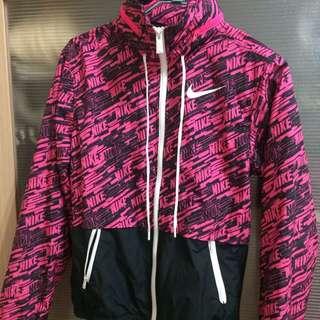 女生Nike風衣外套