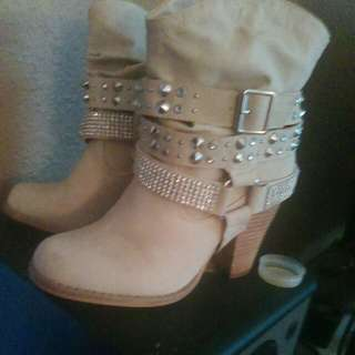 Size 6 Women's Boots Kahki Color with studs and gems