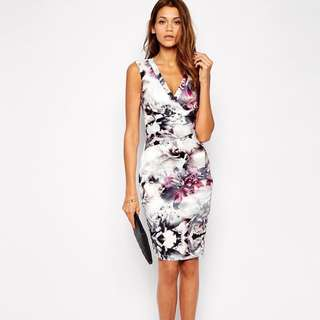 全新)英國Lipsy 氣質花朵鉛筆裙洋裝VIP Pencil Dress in Winter Floral Print UK8/EU36/US4