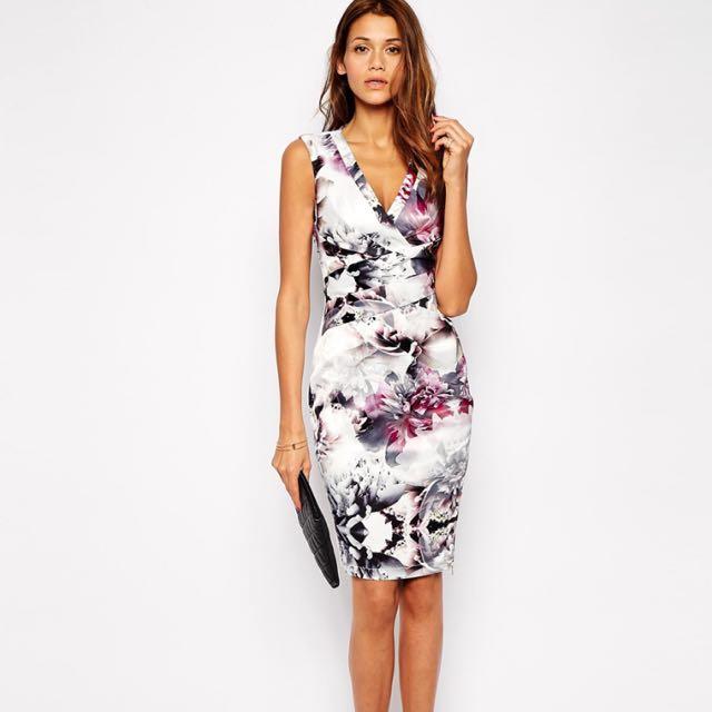 全新)英國Lipsy 氣質花朵鉛筆裙洋裝VIP Pencil Dress in Winter Floral Print UK8/EU36/US4
