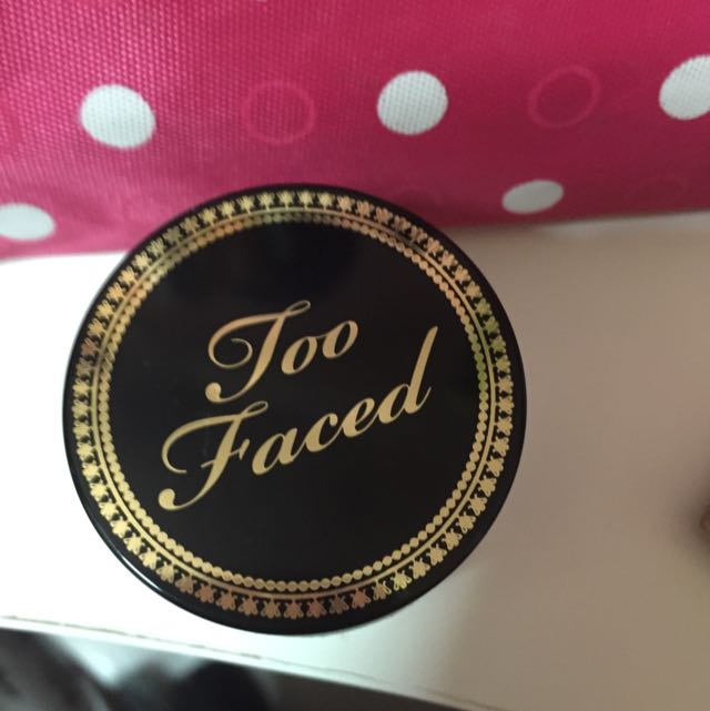 Too Faced Glamour Dust Glitter