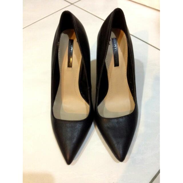 Zara尖頭高跟鞋