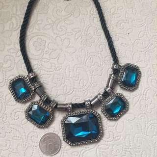 誇張藍寶石項鍊