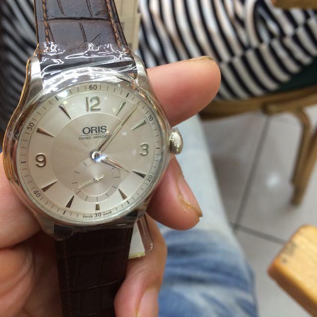 ORIS 機械錶 原價5萬5 膠膜還沒拿掉 現在不收藏了 便宜賣 4萬 即賣