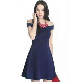 Fayth Antoinette Off shoulder dress in Navy size S