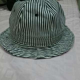 黑白條紋帽