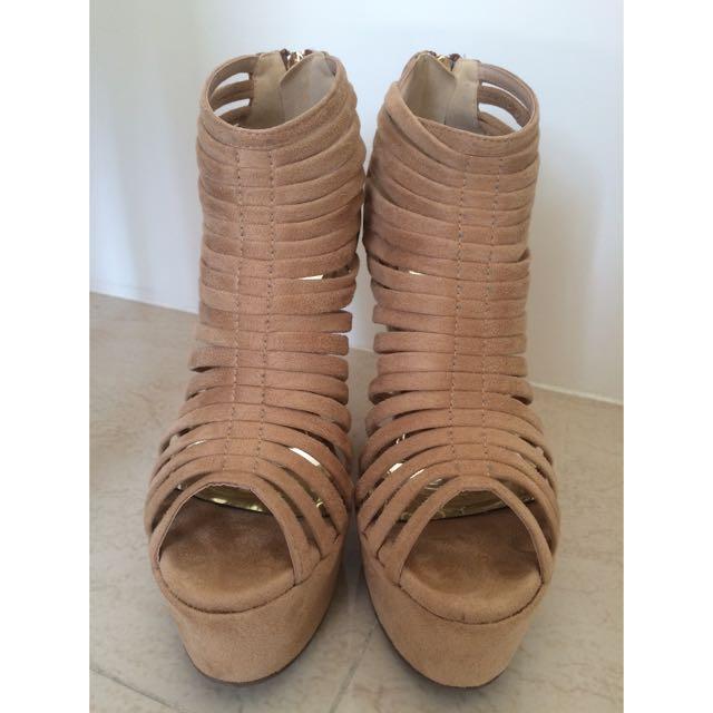 裸色羅馬涼鞋