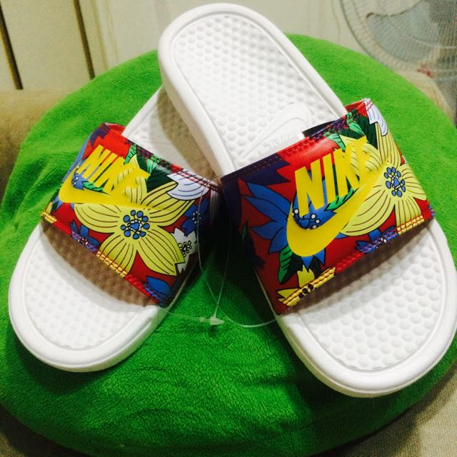 [全新]-Nike 花卉拖鞋 US7 全新日本帶回🇯🇵