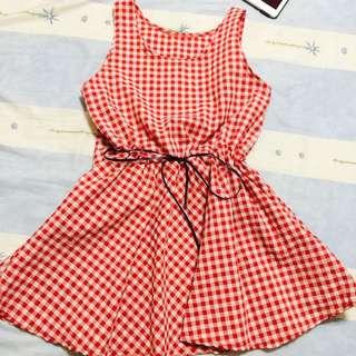 全新韓國帶回 紅白格紋小洋裝 Size F
