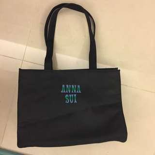 保證正品安娜蘇 Anna Sui 經典黑色logo簡單大方肩背包