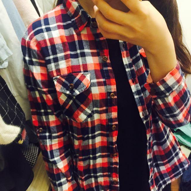 紅藍格紋襯衫