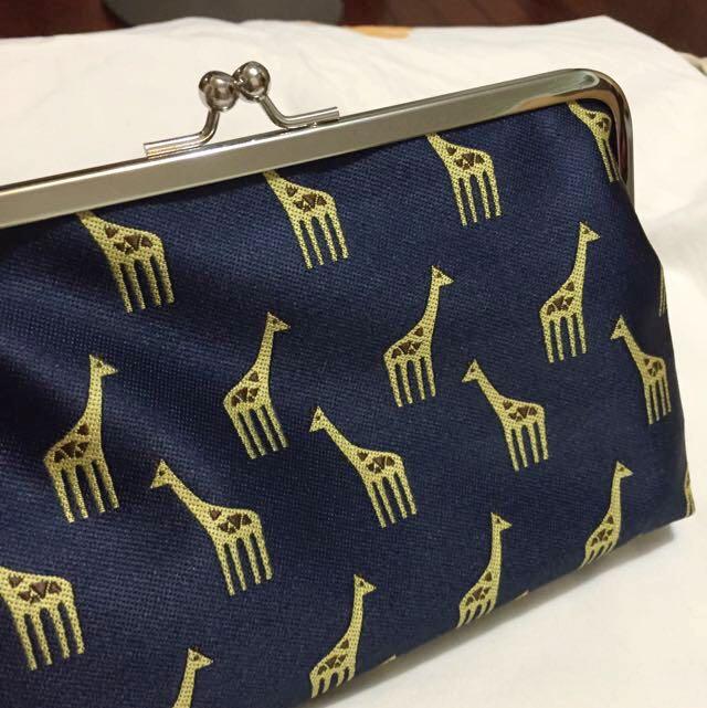 🇯🇵日本布藝滿版長頸鹿收納包