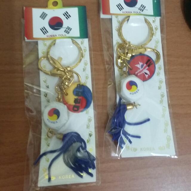 從韓國買回來的鑰匙圈兩個