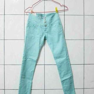 馬卡龍嫩綠色單寧直筒牛仔褲