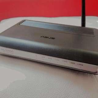 ASUS WL-520GC 無線分享器