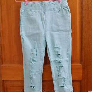 粉綠色洞洞褲