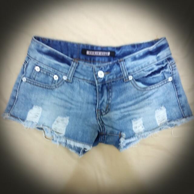👉含運👈 【二手】低腰鬚邊牛仔短褲