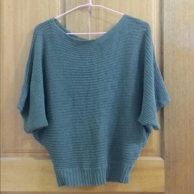 墨綠色針織衫