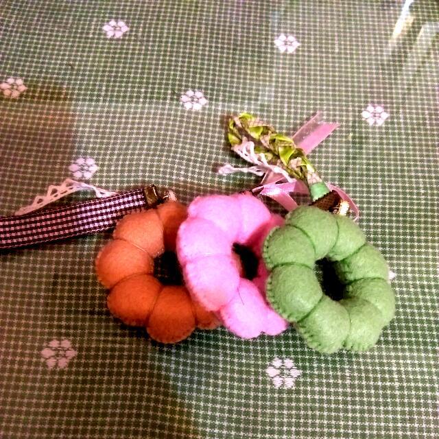 手縫波提甜甜圈吊飾