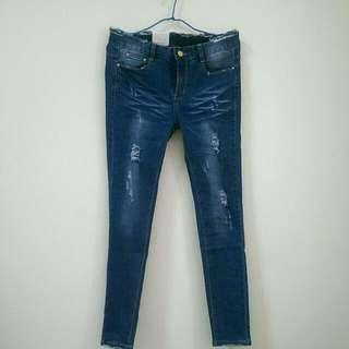 刷破顯瘦牛仔褲